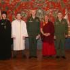 Фото участников встречи на память на фоне исторического интерьера.jpg